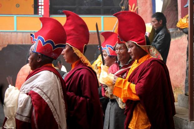 Buddhistiska munkar firar Dumji