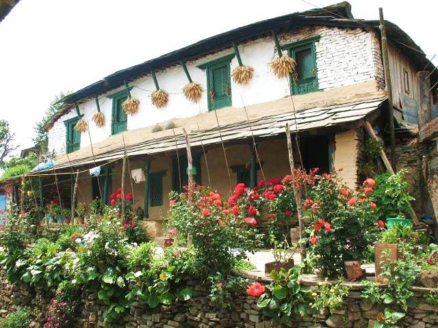 Hus längs med vandringsleden i Annapurna