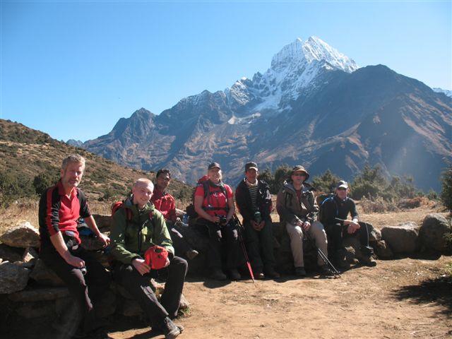 Pa vag mot Everest View Hotel