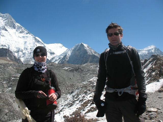 Kicki & Ulf framför sitt mål - Island Peak