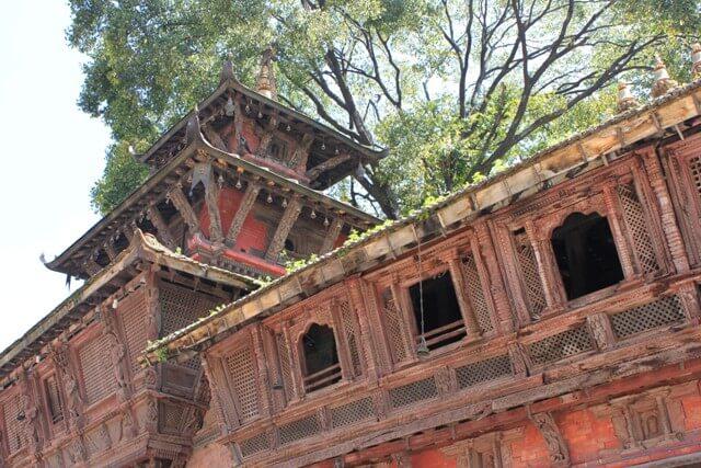 Fantastisk nepalesisk arkitekture men brilliant träsnideri från 1700-talet.