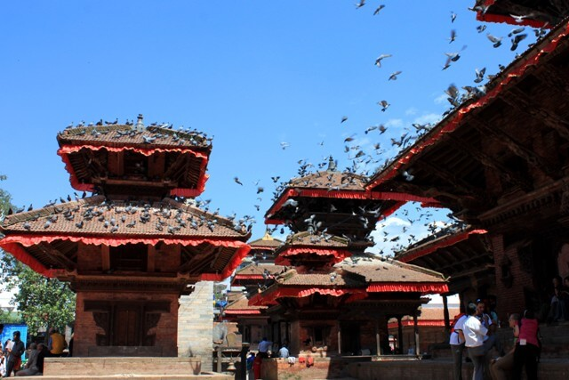 Duvorna vid Durbar Square matas