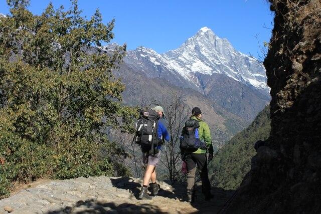 Pete och Kicki pa vandring i Himalaya