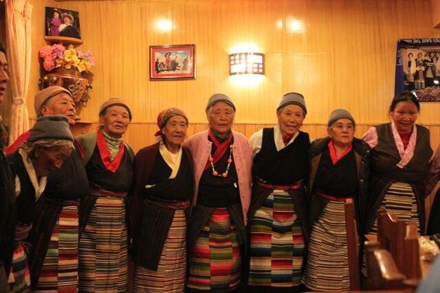 Dansande Sherpakvinnor