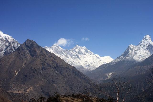 Vyerna fran Everest View Hotel i morse