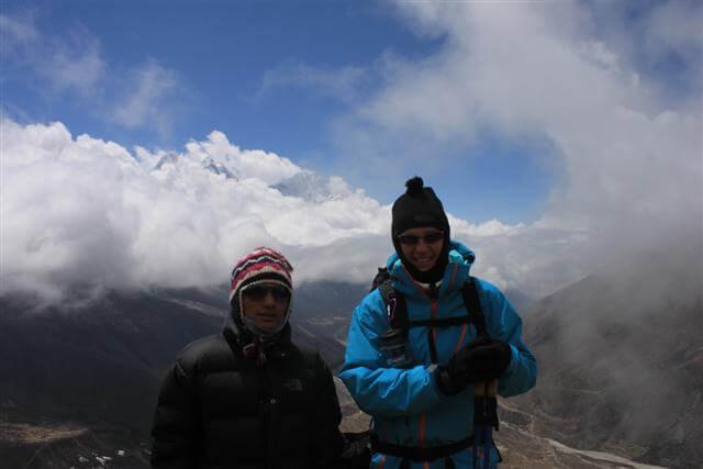 Nim & Michael pa acklimatiseringstur ovanfor Dingboche
