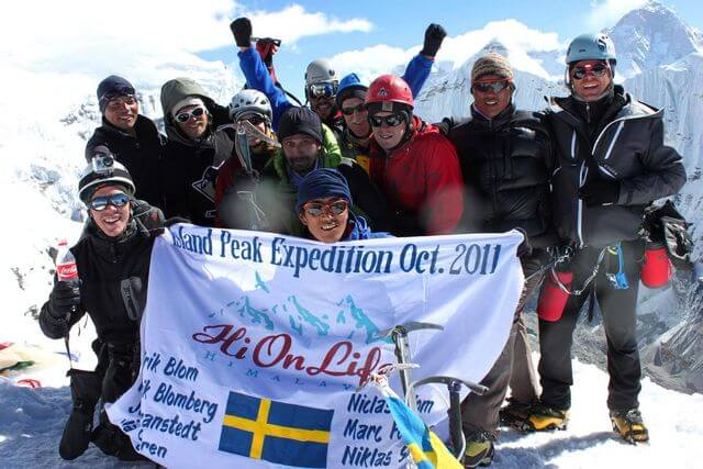 Yes! Vi gjorde det!!! Toppen av Island Peak 6 189 möh