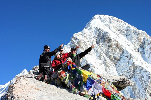 Där borta ligger Everest OCH Island Peak :)