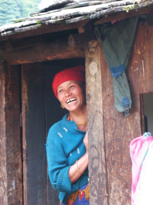 Lycklig kvinna i Gharma