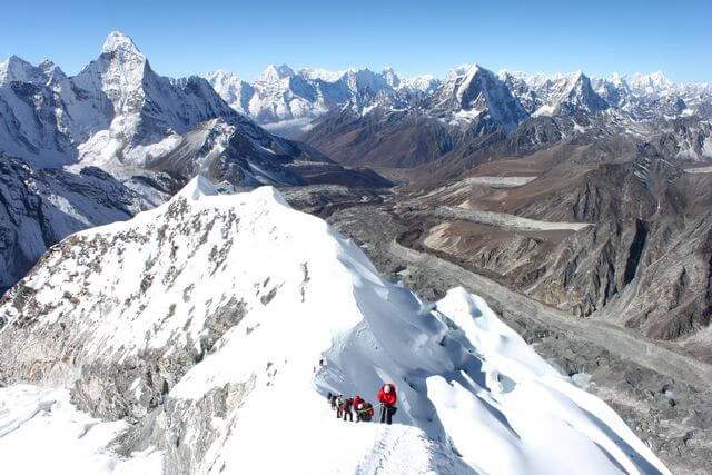 Summit ridge of Island Peak