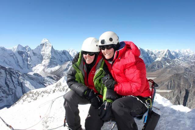 Mette & Cathrine lyckliga på toppen!