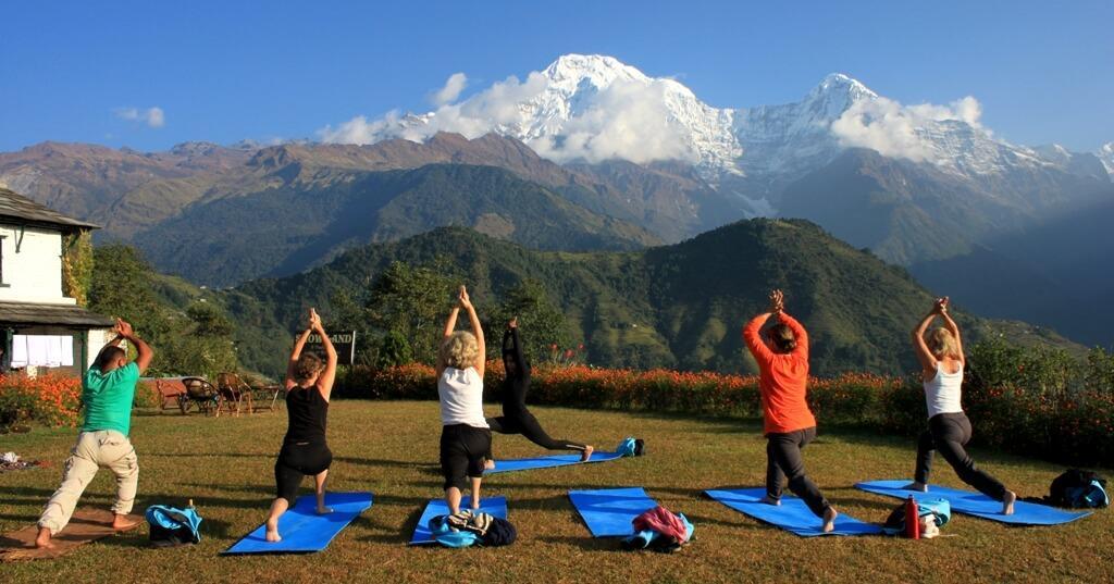 Yoga i vackra Ghandruk