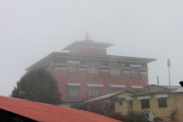 Kloster i dimma - Tengboche